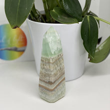 Load image into Gallery viewer, Pistachio Calcite Tower