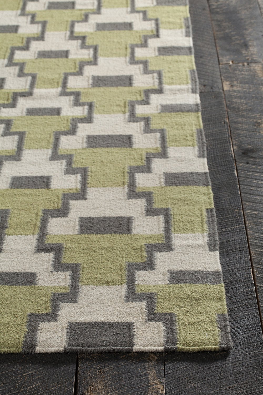 Avon Collection Hand Woven Area Rug in Green, Grey, & White