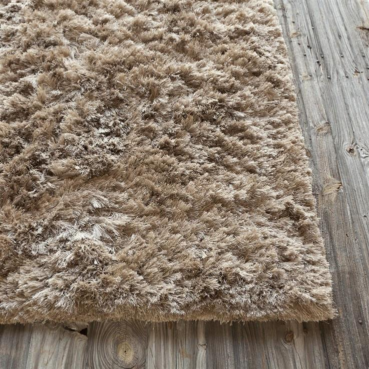 Celecot Collection Hand-Woven Area Rug