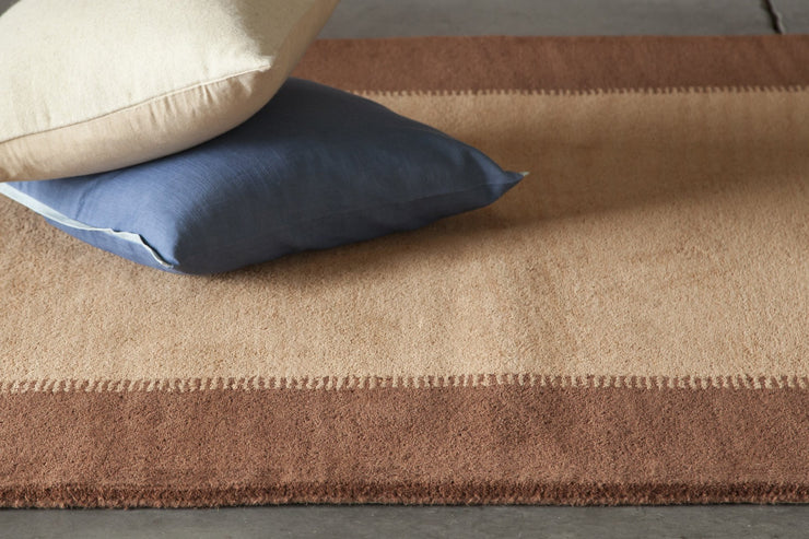 Metro Collection Hand-Tufted Area Rug in Brown & Light Brown