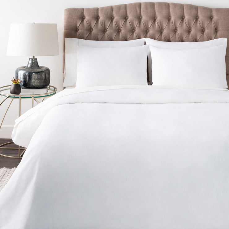 Peyton Bedding in White