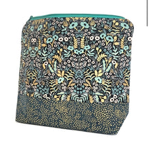 "Load image into Gallery viewer, 10x8.5"" Make Up Bags - The Crafty Artisans"