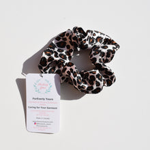 Load image into Gallery viewer, ForEverly Yours - Scrunchie