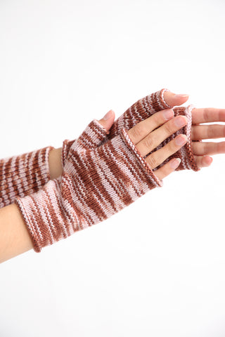 Misha and Puff Hand Warmer in Chestnut Space Dye detail view