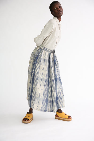Ichi Antiquites Skirt - Linen in Indigo Natural Check on model view front