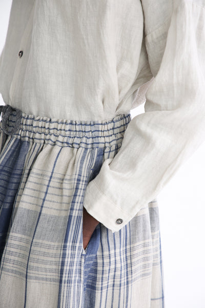 Ichi Antiquites Skirt - Linen in Indigo Natural Check pocket detail