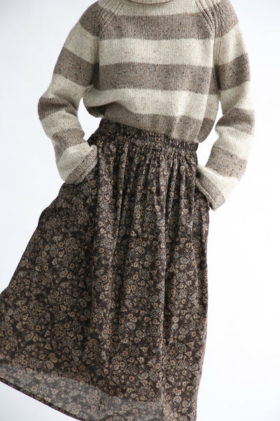 Ichi Skirt in Brown Floral pockets and waistband