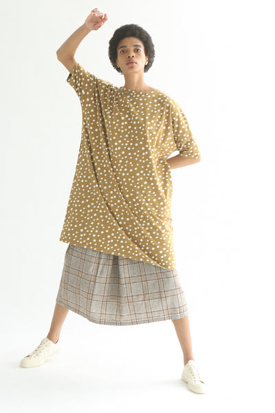 Ichi Top - Cotton in Beige Polka Dot on model view front