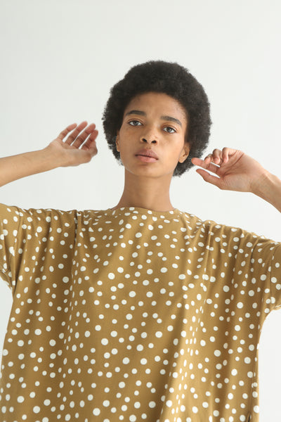 Ichi Top - Cotton in Beige Polka Dot fabric detail view