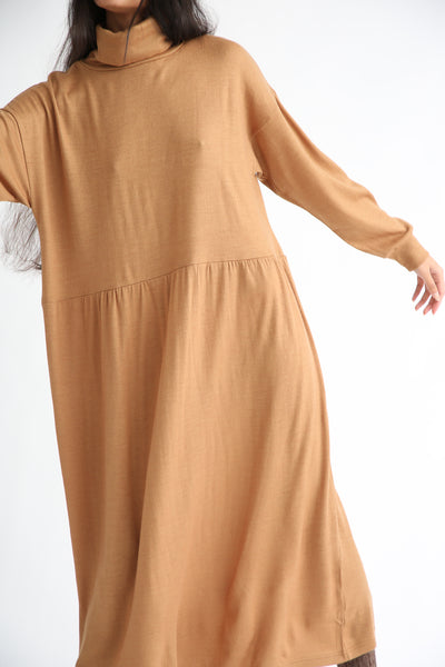 Ichi Antiquites Dress - Wool in Camel front waist detail
