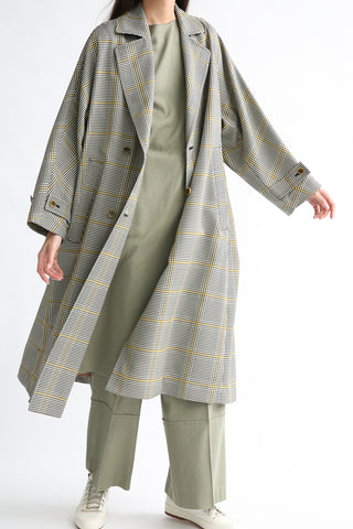 Rito Tent Coat in Yellow Check on model view open front