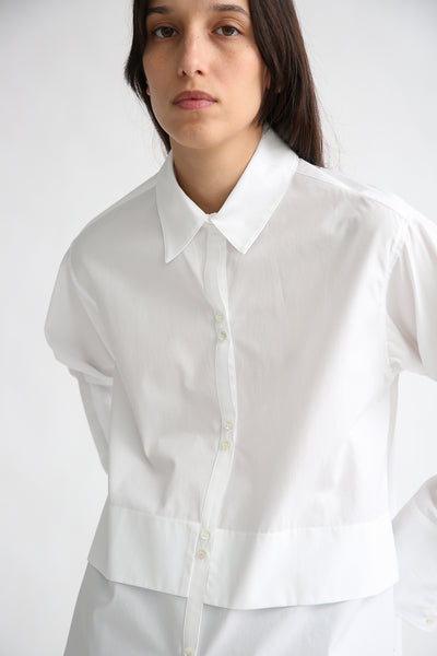 Rito Broad Shirt in White front button detail