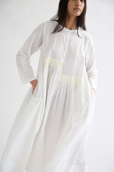 Injiri Dress - Cotton in White/Yellow side view