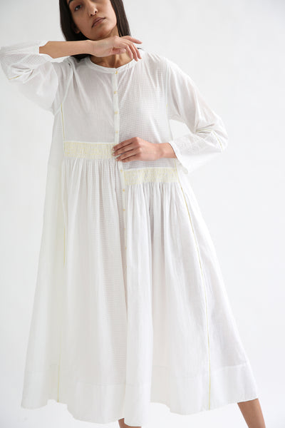 Injiri Dress - Cotton in White/Yellow front