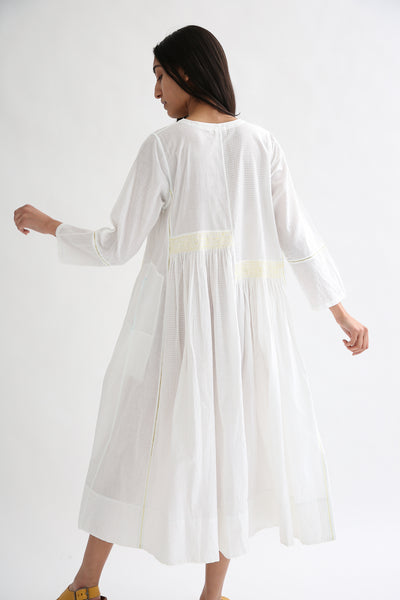 Injiri Dress - Cotton in White/Yellow back