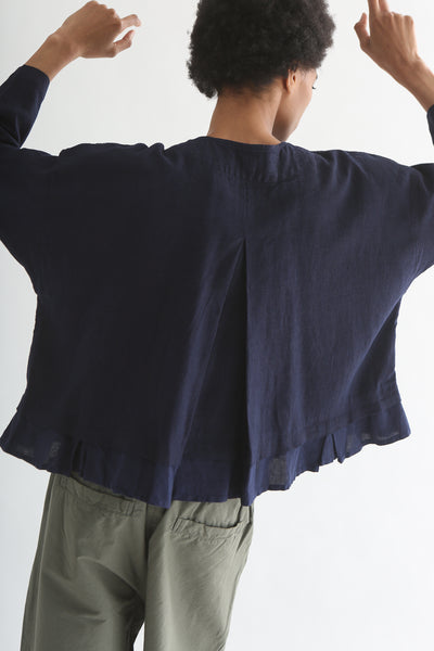 nest Robe Collarless Jacket - Linen Canvas in Navy back pleat detail
