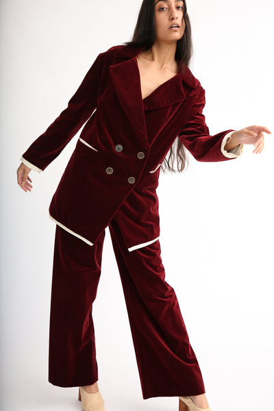 Annother [Archive] Nobility Trousers in Garnet on model view front