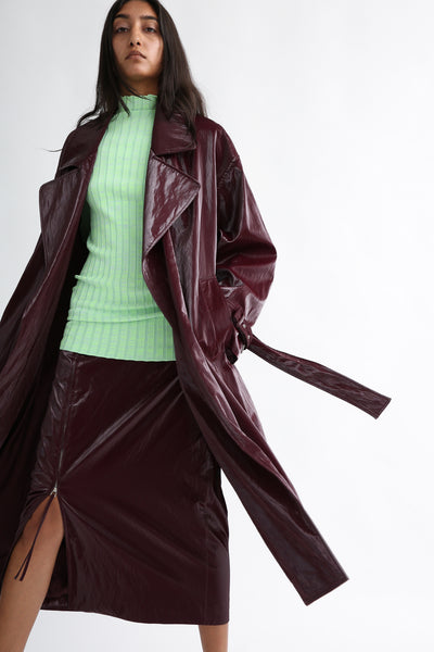 Nomia Oversize Trench - Shiny Tech in Burgundy on model view front