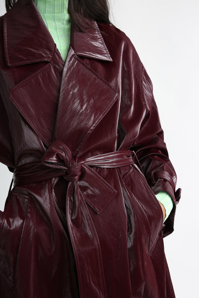 Nomia Oversize Trench - Shiny Tech in Burgundy belt detail