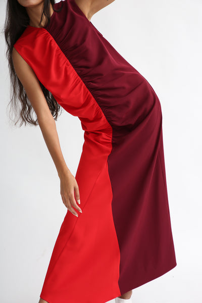 Nomia Gathered Colorblock Dress - Crepe Stretch in Burgundy/Red front ruching view