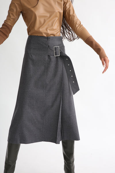 Rito Light Flannel Skirt in Grey front view