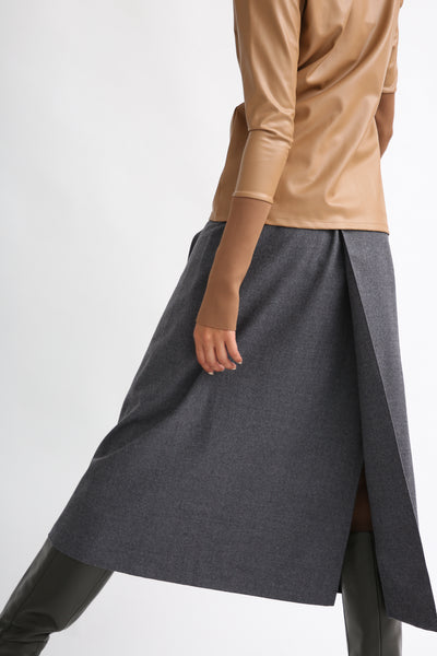 Rito Light Flannel Skirt in Grey back view
