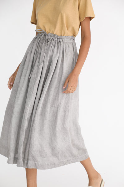 Ichi Antiquites Linen Skirt in Sumi on model view front