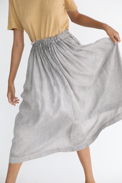 Ichi Antiquites Linen Skirt in Sumi front detail view