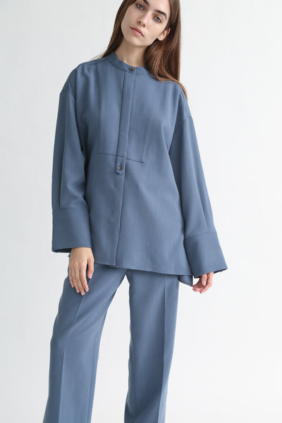Rito Big Shirt - Wool Double Cloth in Blue on model view front