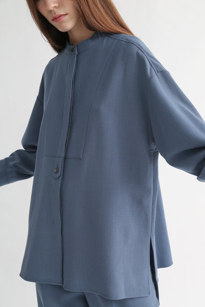 Rito Big Shirt - Wool Double Cloth in Blue side slit detail view