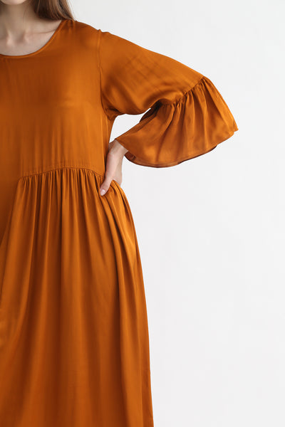 Correll Correll Coco Dress in Tumeric sleeve and waist gather detail view