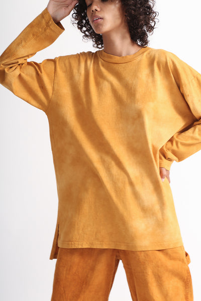 Dr. Collectors Longsleeve Basic T in Cloud Pumpkin on model view front