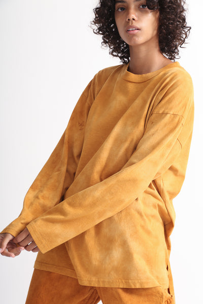 Dr. Collectors Longsleeve Basic T in Cloud Pumpkin on model view side