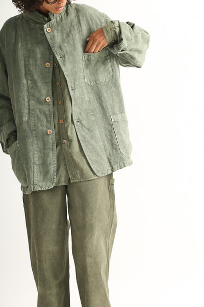 Dr. Collectors Sunday Jacket in Avocado on model view front