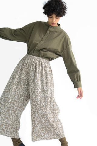 Ichi Antiquites Pants - Floral Linen in Greige on model view front