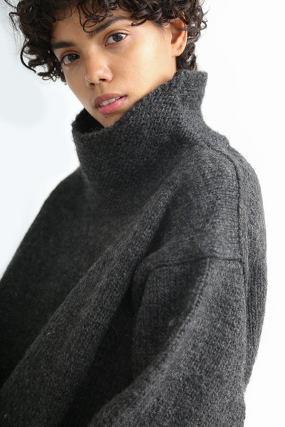 Ichi Antiquites Pullover - Wool in Charcoal neck detail view