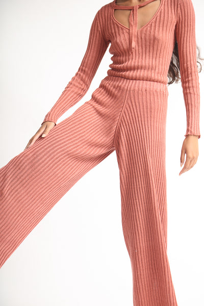 Baserange Loch Pant - Linen Rib in Rose on model view front