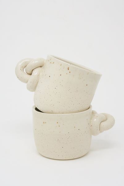 Lost Quarry Single Knot Mug in Snow group view