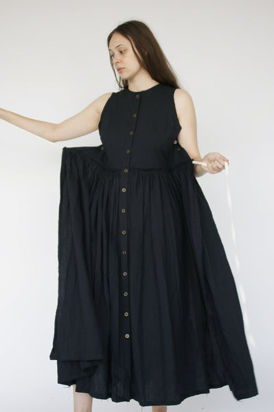 Little Creative Factory Crinkled Dress in Black on model view front