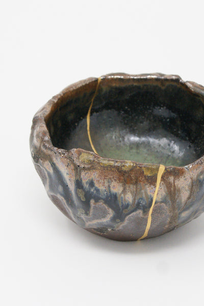 Pinched Bowl with 22K Gold Kintsugi Repair Wood Fired detail view