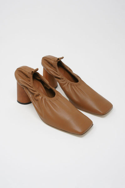 Rejina Pyo Edie Pump in Brown diagonal front view
