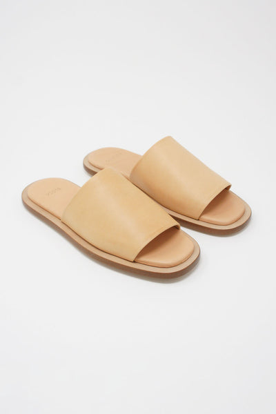 Building Block Issei Slide in Veg Tan diagonal front view
