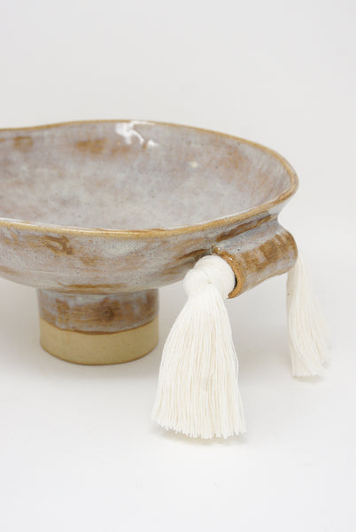 Karen Tinney Bowl #697 in Gray/White fringe detail