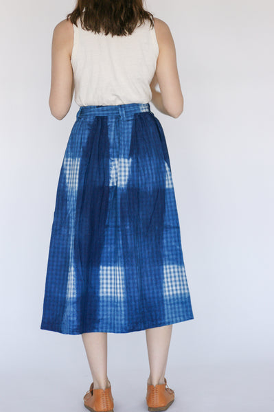 Ichi Antiquites Skirt in Hand Dye Itajime Gingham on model view back