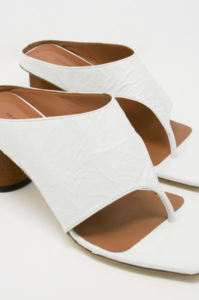 Rejina Pyo Lina Sandal in Leather Crinkle White diagonal front detail view