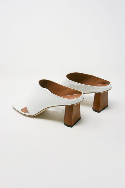 Rejina Pyo Lina Sandal in Leather Crinkle White diagonal back view