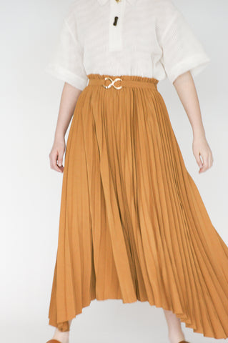 Rejina Pyo Kiera Skirt in Caramel on model front view