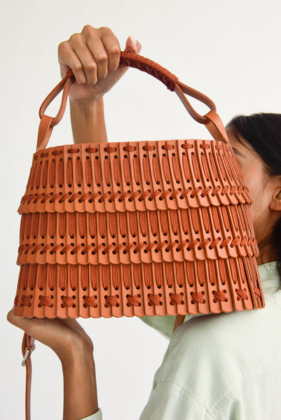 Hatori Leather Basket in Tan x Cinnamon rayon stitching detail view
