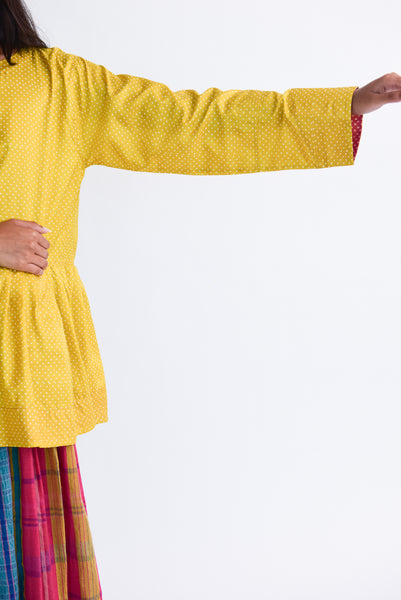 Injiri Top in Yellow Dot sleeve detail view