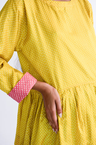 Injiri Top in Yellow Dot contrast sleeve cuff detail view